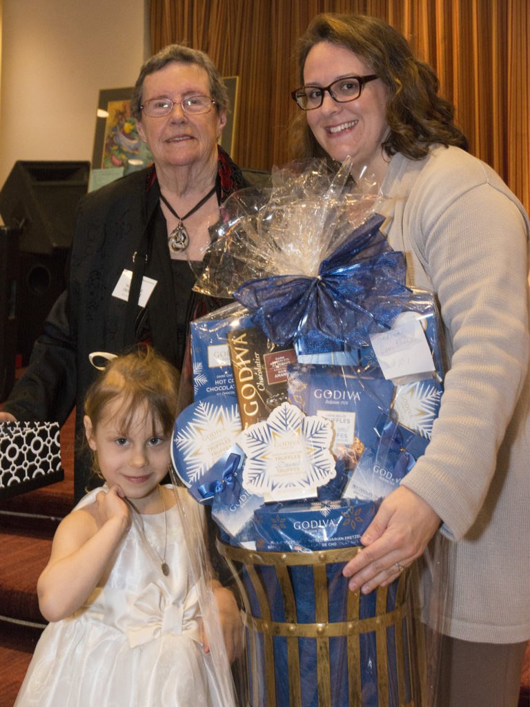Marielle Demorest and Door Prize Winner